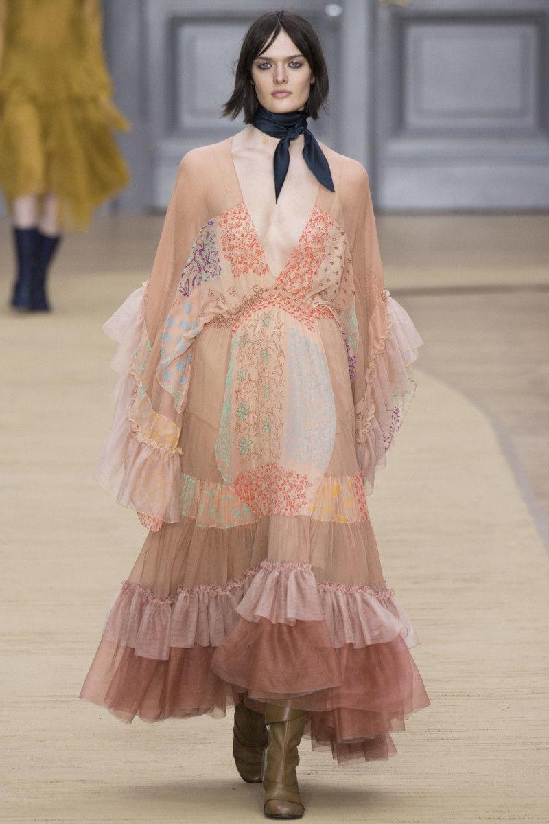 a07deb4f Trend Report: Paris Fashion Week - Mood Sewciety