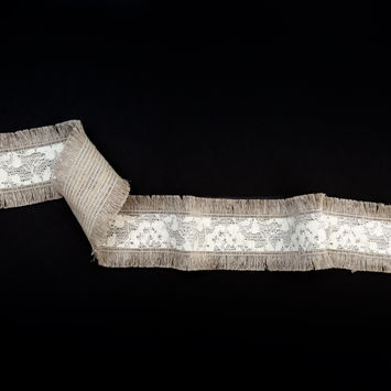 "Italian Natural and Ivory Lace Trim with Fringe Edges 2""-325000-10"