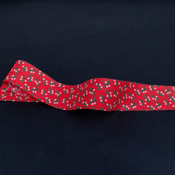 """Red, Green and White Floral Christmas Ribbon 1.875""""-325332-10"""